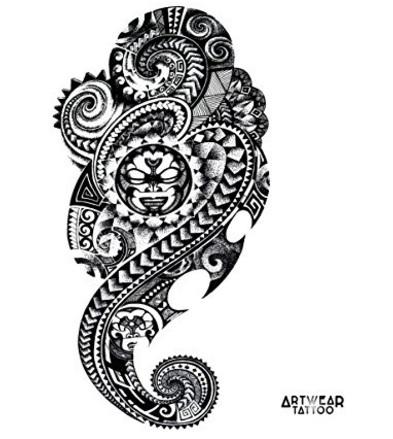 Tatuaggi maori realistici per tutto il corpo