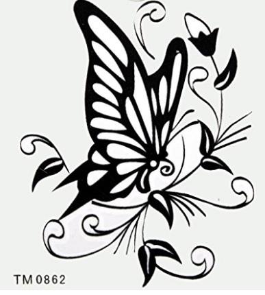 Tattoo sul collo farfalla nera