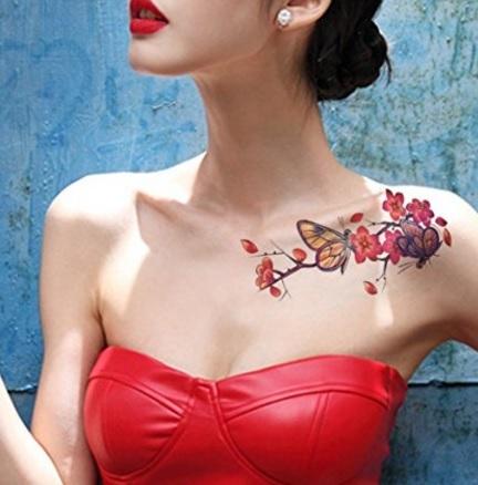 Tatuaggio farfalla donna colorata