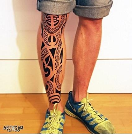 Tatuaggio realistici stile maori