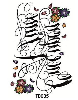 Scritte e lettere tatuaggi contemporanei