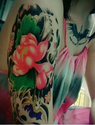 Tattoo temporanei rose e farfalle