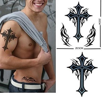 Tatuaggio croce dalle grandi dimensioni