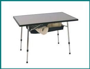 Tavolino per campeggio economico e pratico