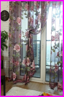 Tende per interni a sciarpa stile floreale
