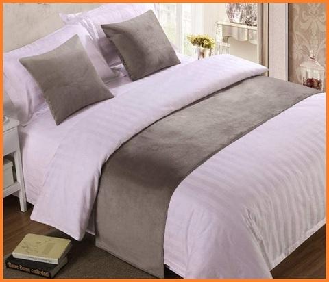 Copriletto matrimoniale per alberghi