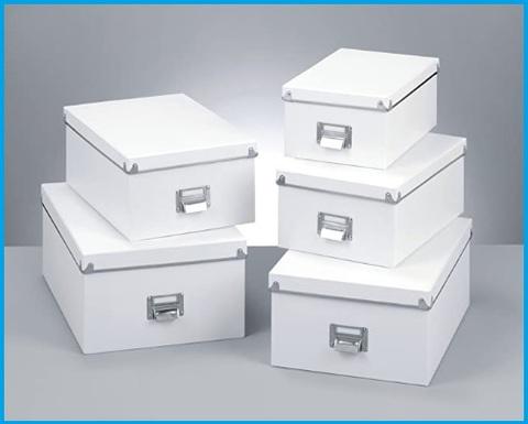 Scatole cartone per tenere in ordine