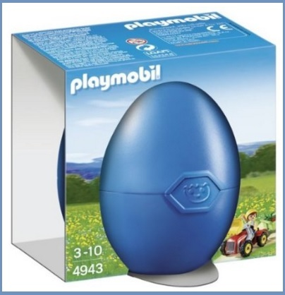 Uova di pasqua con giocattoli trattore