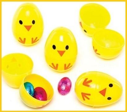 Uova di pasqua e pulcini