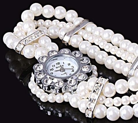 Orologio e bracciale con perle finte molto bello